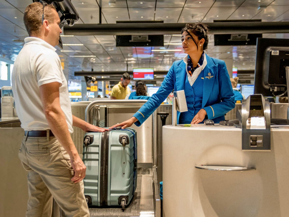 how to avoid baggage fees thrifter