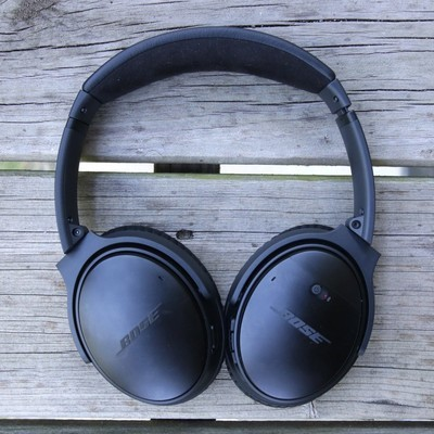 dbcfc7a52de Save $50 on the Bose QuietComfort 35 II headphones at Amazon Canada right  now