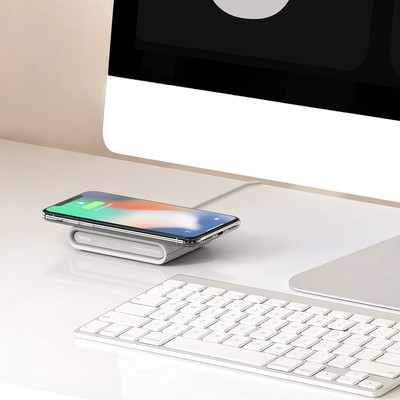 Samsung and iOttie wireless chargers