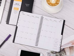 This $5 weekly and monthly planner can help you stay organized in 2019