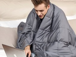 Destress while you compress with this $70 YnM Weighted Blanket