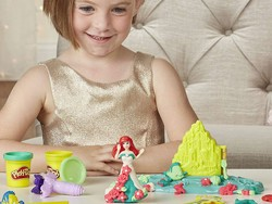 Delight your Disney fan with this Play-Doh Undersea Wedding set for just under $8