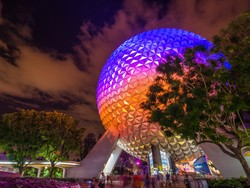 Save money during your Disney vacation with these magical tips!