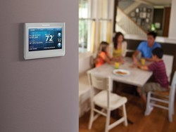 This $130 smart thermostat features a customizable touchscreen