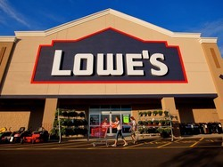 Save $25 off an online order of $100 or more at Lowe's