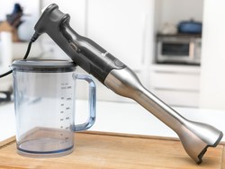 This $80 Breville immersion blender can purée its way around a soup