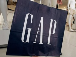 Grab a free $15 eGift Card with your next purchase at Gap.com