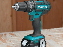Drill like a pro with Makita's 1/2-inch hammer driver kit for $99