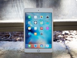 The iPad Mini 4 is $100 off right now