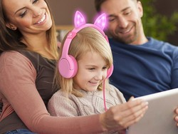 These discounted kitty cat headphones will bring your child joy