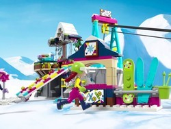 This is the best price yet on a giant Lego Friends 585-piece playset