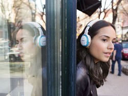 These Bose SoundLink on-ear Bluetooth headphones are only $125