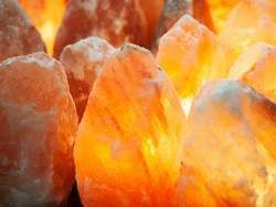 Should you get a Himalayan salt lamp?