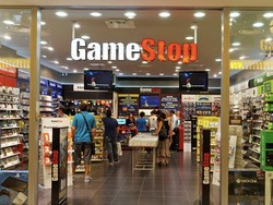 Sign up for GameStop's Elite Pro rewards program one last time