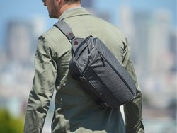 Peak Design's discounted Everyday Sling keeps your laptop and camera close