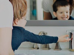 Stop spreading germs with 25% off Simplehuman touch-free soap dispensers