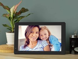 Save 30% on Nixplay smart digital photo frames ahead of Father's Day