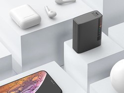 The Novoo portable charger on sale for $10 has USB-C Power Delivery