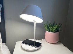 Yeelight Staria Pro review: HomeKit-enabled smart lamp and Qi charger