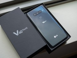 Cheap Android phone deal: Get an LG V40 for just $300 today only
