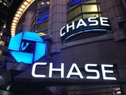 Chase Freedom Unlimited offers 3% back on first $20k spend