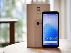 The Google Pixel 3a and Pixel 3a XL are $100 off at Amazon