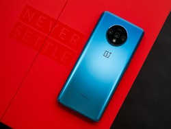 Snatch the unlocked OnePlus 7T at a $200 discount today only