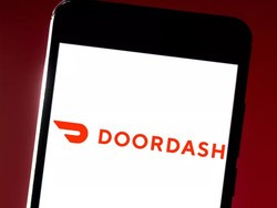 Save on DoorDash food delivery with 10% off this $50 gift card via PayPal