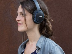 The Bose SoundLink II Bluetooth headphones have matched a low price of $159
