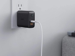 Aukey's 30W Power Delivery 2-port USB-C charger has dropped to $15