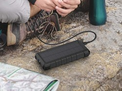 RAVPower's 25000mAh power bank on sale for $22 recharges with sunlight