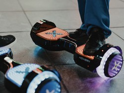 Ride on with the Hover-1 Superfly self-balancing hoverboard at $80 off