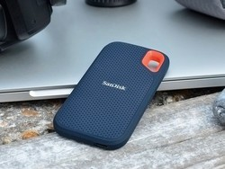 Grab the SanDisk Extreme 1TB portable solid state drive for just $125 today