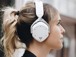 These V-Moda Crossfade 2 Bluetooth headphones have dropped in price by $100
