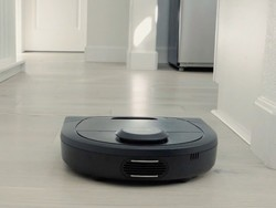 Time for a new robot vacuum cleaner with Neato's Botvac D4 down to $250