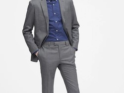 Shop at Banana Republic today to score an extra 50% off sale styles