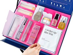 The Case Full of Seoul is an 11-piece Korean skincare set that should cost $300, but it's only $50 right now