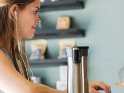 These discounted Contigo travel mugs will make perfect last-minute gifts