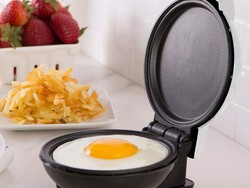 The ultra-cute Dash Go Mini Maker Griddle is only $7 at Best Buy
