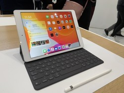 Add Apple's Smart Keyboard to your iPad and save $60 right now