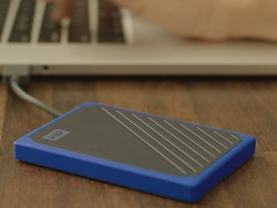 Save $50 on WD's 1TB portable SSD and get a free 64GB flash drive