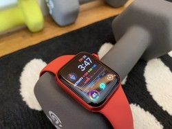 Apple Watch Series 6 price drops to just $320 with this Amazon deal