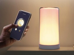 This Meross Smart Lamp on sale for $27 can change colors with just a touch