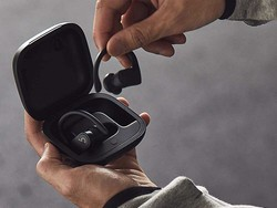 The Powerbeats Pro earbuds have a long-lasting battery and are just $170