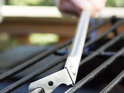 Keep your grill spick-and-span with this $15 GrillFloss cleaning tool