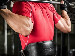 Get buff with this $21 Harbinger leather weightlifting belt
