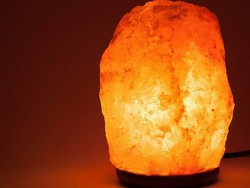 Add good vibes to your home with one-day deals on Himalayan salt lamps