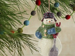 Deck the halls with up to 50% off holiday decor at Amazon today
