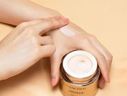 Nab a free sample of the new Lancome Absolue Soft Cream by signing up for emails