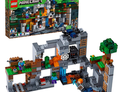 Build a Minecraft level out of Lego bricks with the $72 Bedrock Adventures set